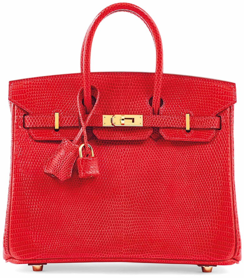 Sac birkin 25 en lézard salvator lisse rouge vif, garniture en métal doré, Hermès, 2008.  l 25 x  h 19 x  p 14  cm. Estimate €15,000-20,000. This lot is offered in Sacs & Accessoires on 12 December 2017  at Christie's in Paris