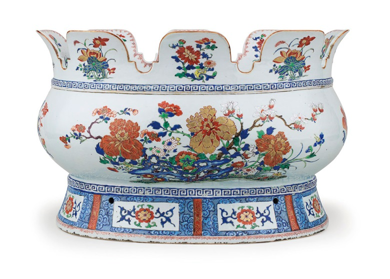 A large verte-imari monteith, Qianlong period, circa 1740. 20¼ (51.5  cm) wide. Estimate $50,000-80,000. This lot is offered in Chinese Export Art Featuring 100 lots from Marchant, est 1925 on 18 January 2018  at Christie's in New York