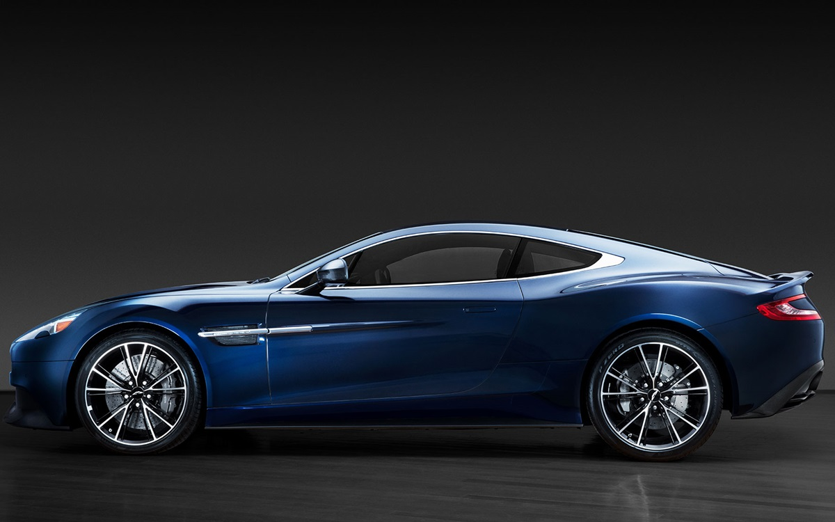 Christie's to auction Daniel Craig's Aston Martin