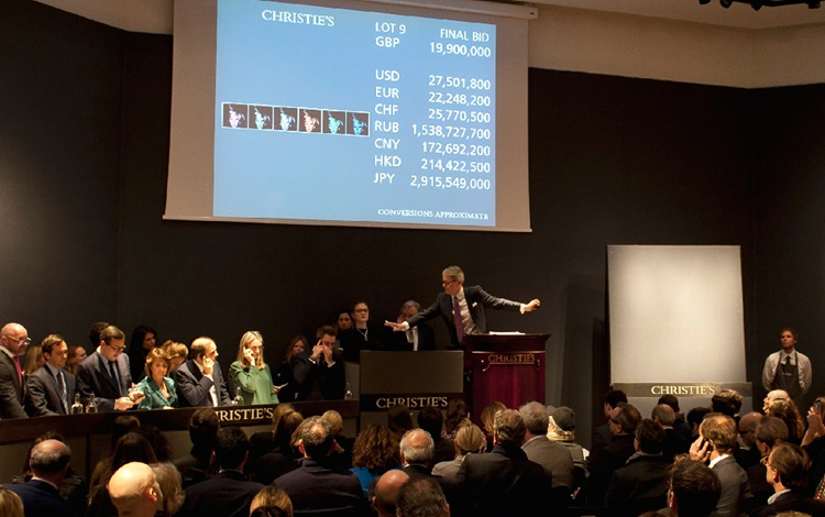 Warhol leads record-breaking P auction at Christies