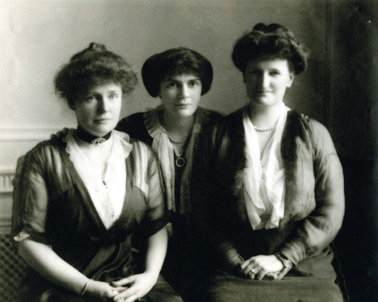 Abby (right) with sisters Elsie Aldrich and Lucy Aldrich, circa 1910. Photo courtesy of the Rockefeller Archive Center