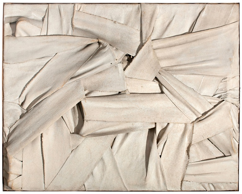 Salvatore Scarpitta (New York (1919-2007), Senza titolo (Untitled), 1958. Canvas straps and mixed media. 66 x 81 cm. Milan, private collection. Photo Matteo Zarbo. Salvatore Scarpitta by SIAE 2018