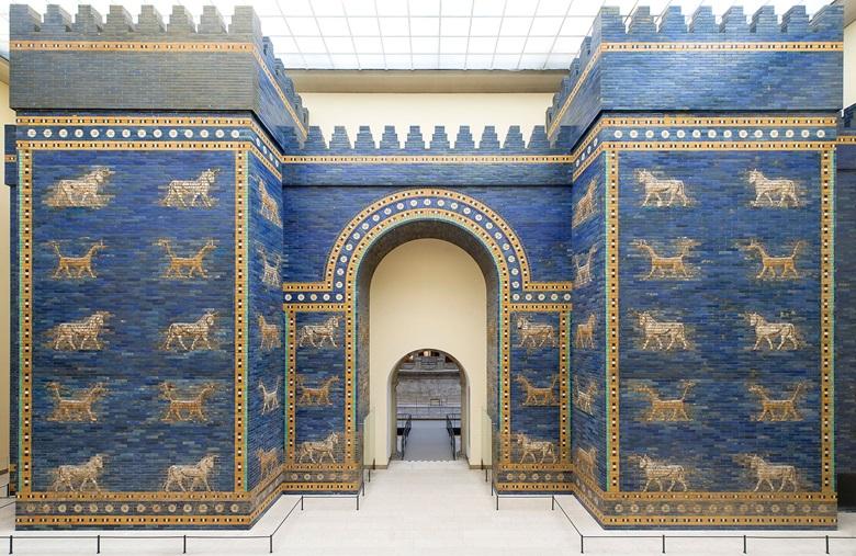 Babylon's Ishtar Gate, sixth century BC, as                  reconstructed in the Pergamon Museum. Photo Scala,                  Florencebpk, Bildagentur für Kunst, Kultur und                  Geschicht