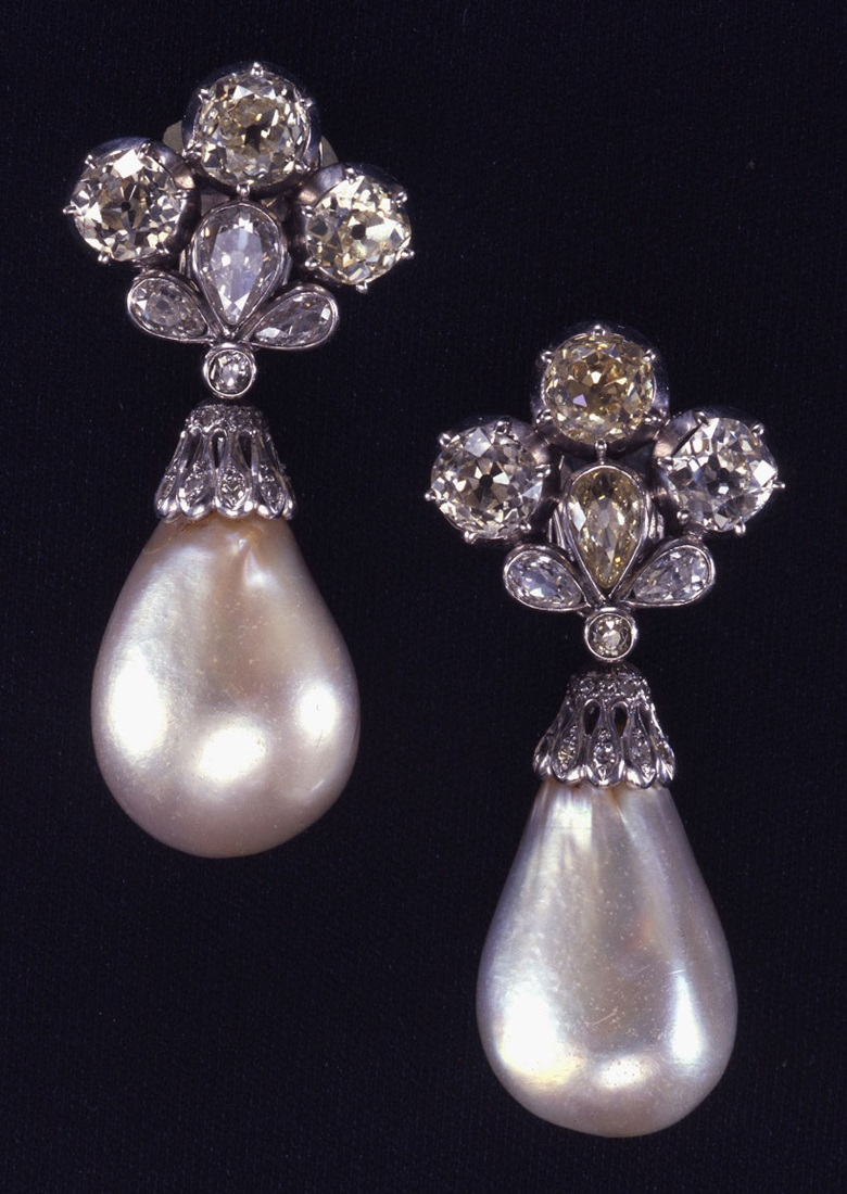 Marie Mancinis pearl and diamond earrings. Sold in 1969 at Christies in Geneva for CHF 320,000
