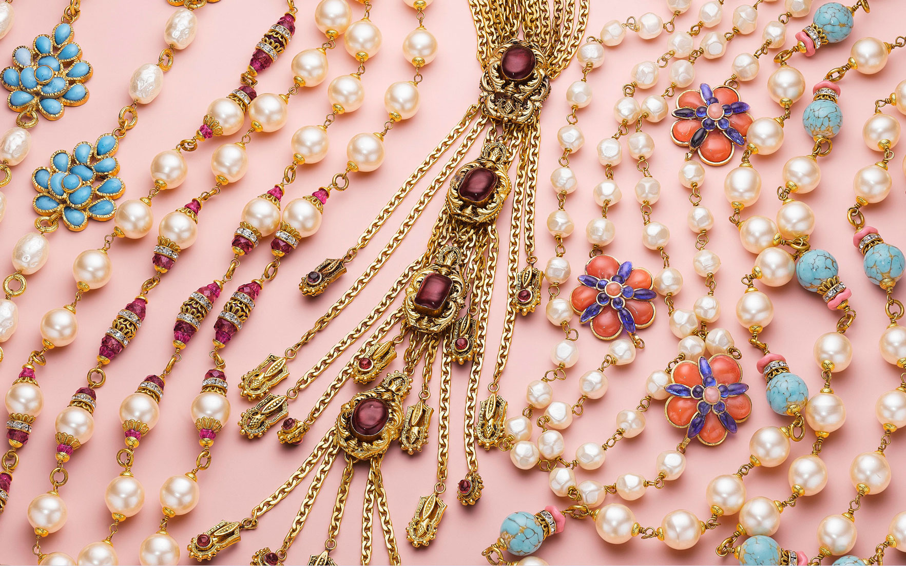 An expert's guide to vintage costume  fashion  couture jewellery