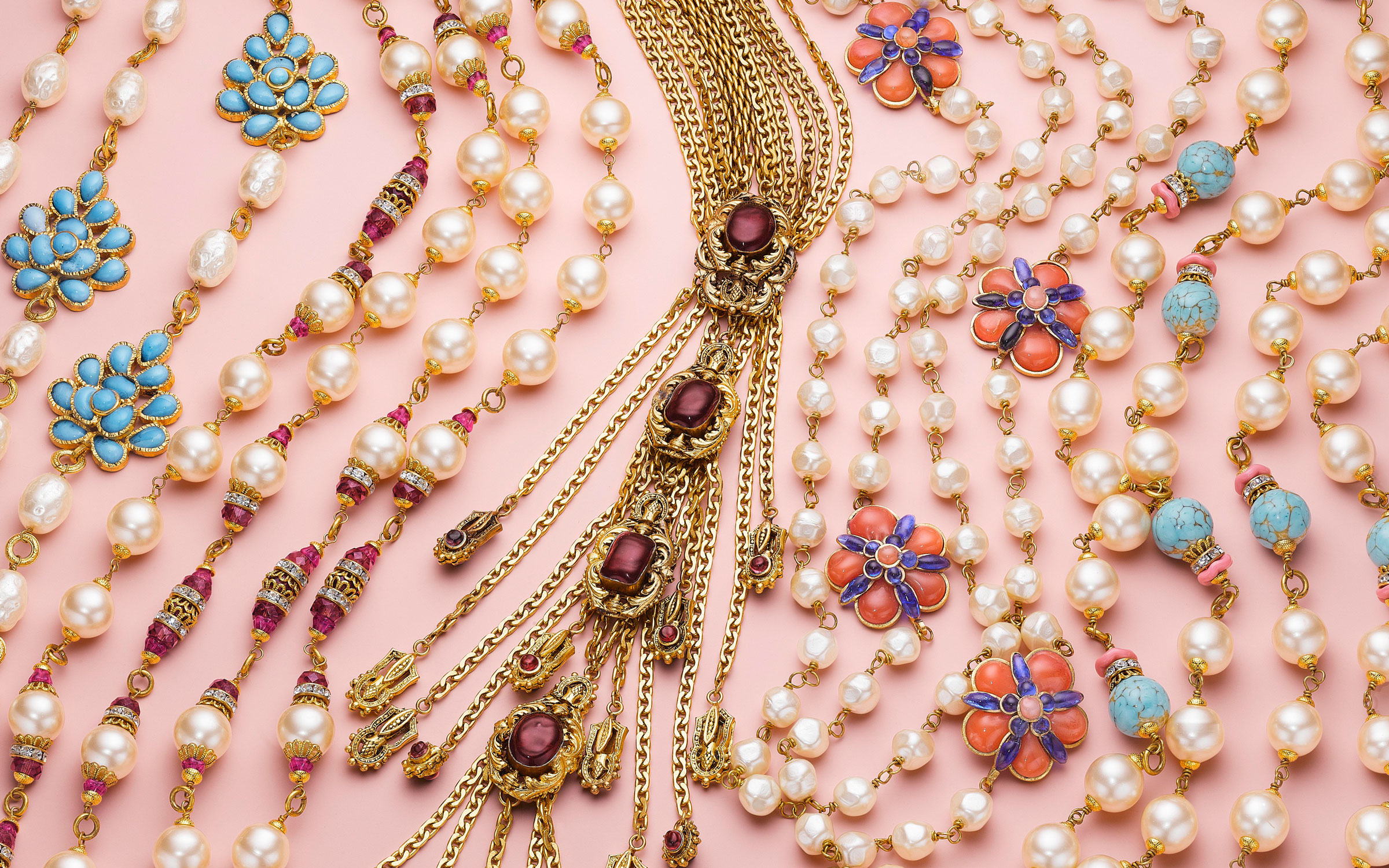 An expert guide to vintage costume jewellery