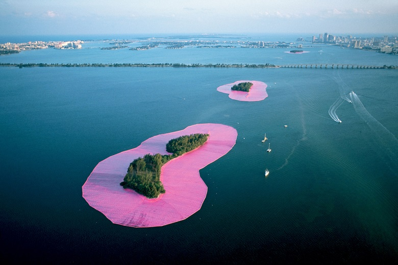 Christo and Jeanne-Claude, Surrounded Islands, Biscayne Bay, Greater Miami, Florida, 1980-83. Photo Wolfgang Volz. © 1983 Christo