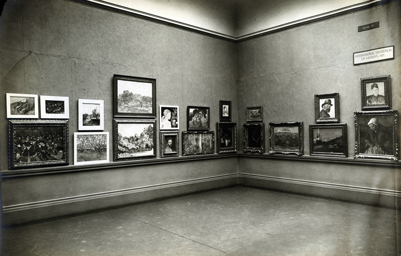 International Exhibition of Modern ArtArmory Show, The Art Institute of Chicago, March 24-April 16, 1913, showing white and gold frames. Photo The Art Institute of Chicago  Art Resource, NY  Scala, Florence