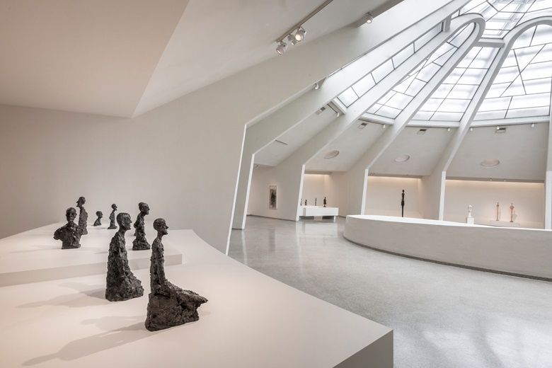 Installation view Giacometti, Solomon R. Guggenheim Museum.Photo David Heald © Solomon R. Guggenheim Foundation, 2018