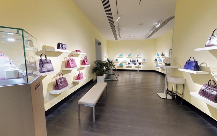 Virtual Tour: Handbags & Acces auction at Christies