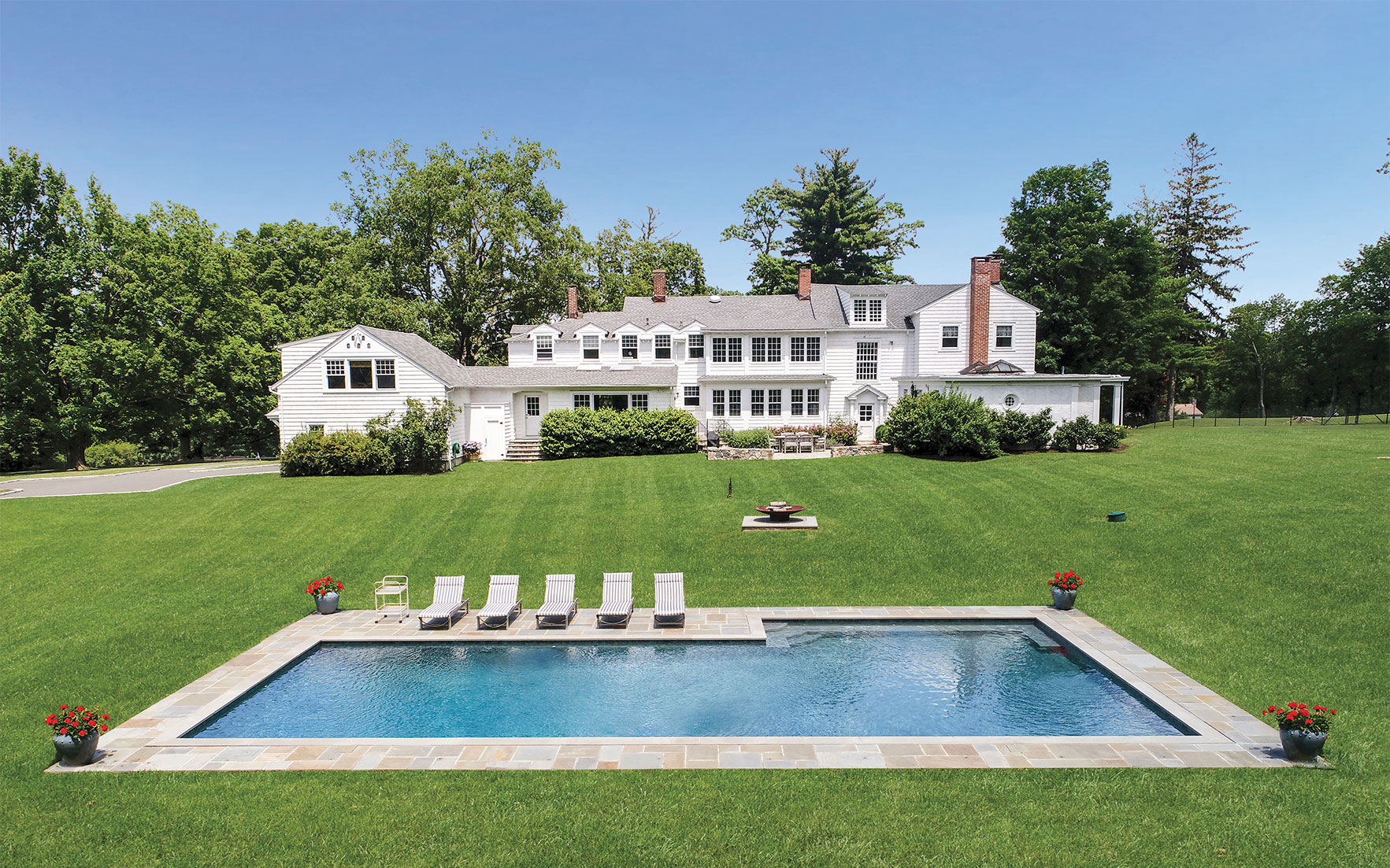 Luxury Living: Homes of famous
