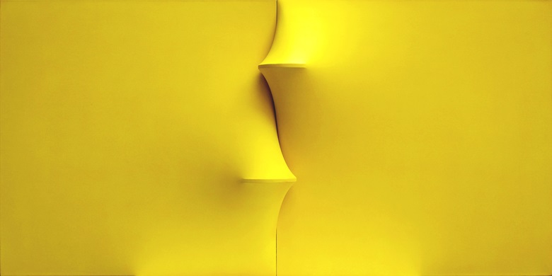 Agostino Bonalumi (1935-2013), Giallo (Yellow), 1969. Shaped canvas and vinyl tempera. Mazzoleni gallery, London — Turin. Courtesy of Archivio Bonalumi