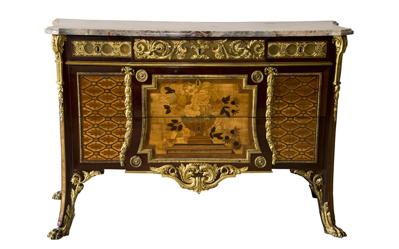 A commode by Riesener supplied to Madame Adelaïde, aunt of Louis XVI, sold privately in 2018 by Christie's on behalf of the family of Juan de Besteigui, acquired by the Société des Amis de Versailles for the Château de Versailles