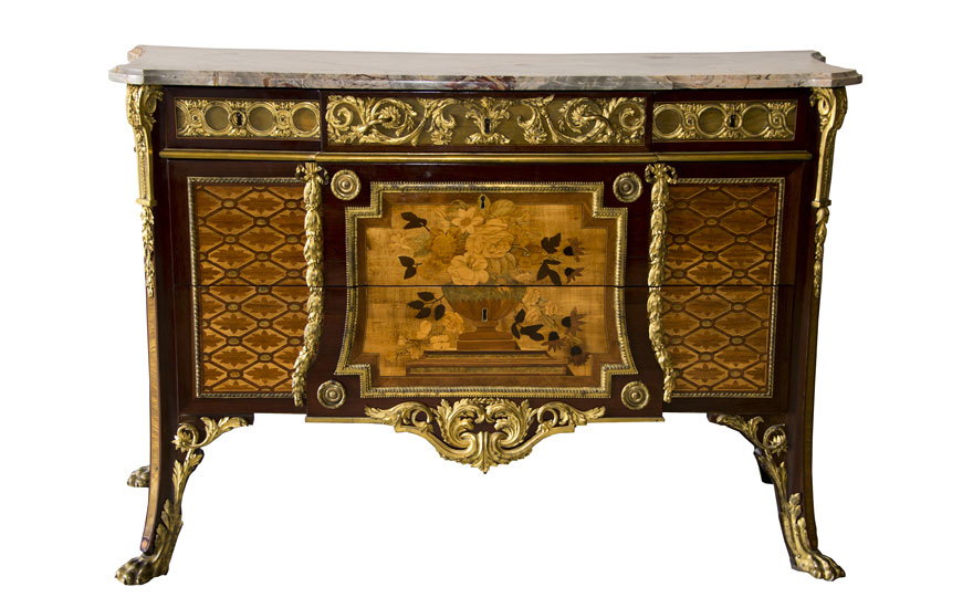 A commode by Riesener supplied to Madame Adelaïde, aunt of Louis XVI, sold privately in 2018 by Christie's on behalf of the family of Juan de Besteigui, acquired by the