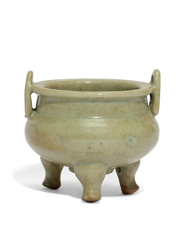 A longquan celadon tripod censer, Ming dynasty (1368-1644). 4⅞. in (12.4 cm) across handles . Estimate £2,000-3,000. Offered in The Art of China London, Winter Edition, 5-13 December 2018, Online