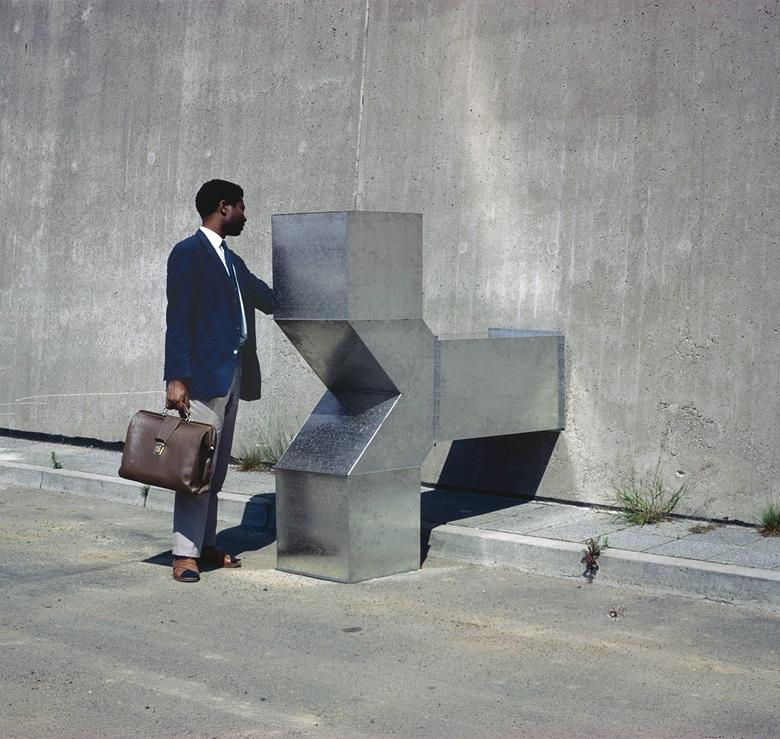波泽内斯克,《Vierantrohr》(方形管),D系列,1967年作。以装置艺术状态展示,奥芬巴赫,德国。1967年作。© Estate of Charlotte Posenenske。图片鸣谢:Estate of Charlotte Posenenske、柏林Mehdi Chouakri艺廊及纽约Peter Freeman艺廊