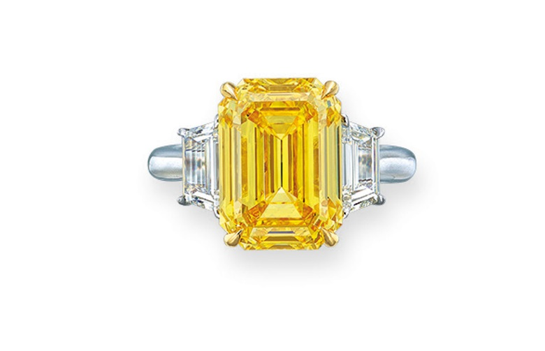 Important coloured diamond and diamond ring. Fancy Vivid Yellow colour. Estimate HK$6,800,000-8,800,000. Offered in Hong Kong Magnificent Jewels on 28 May 2019 at Christie's in Hong Kong