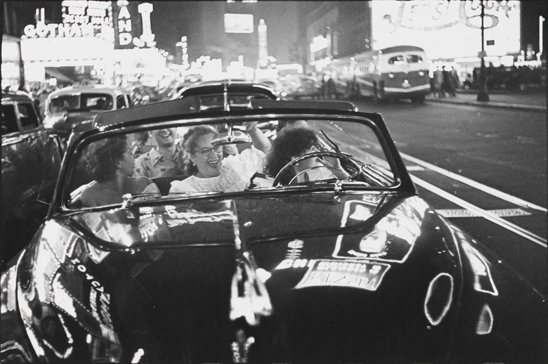 Louis Faurer (1916-2001), Broadway Convertible, New York City, 1950. Gelatin silver print, printed 1970s. Image 8½ x 12⅝ in (21.4 x 32 cm); sheet 11 x 14 in (28 x 35.7 cm). Estimate $3,000-5,000. Offered in Photographs New York, New York on 16-24 July, Online. © 2019 Estate of Louis Faurer