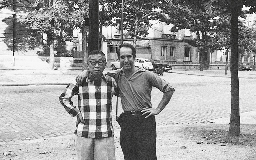 Sanyu with the American photographer Robert Frank in Paris in the 1960s. © Robert Frank