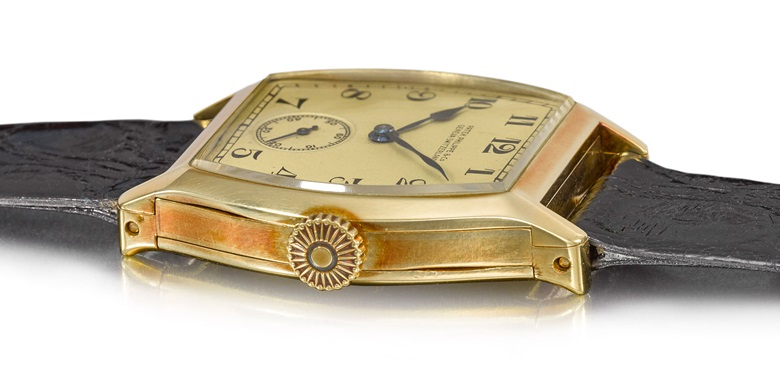 Patek Philippe, a unique yellow gold tonneau minute repeating wristwatch made for Henry Graves Jr., 1927. Sold for CHF 4,575,000 on 11 November at Christie's in Geneva