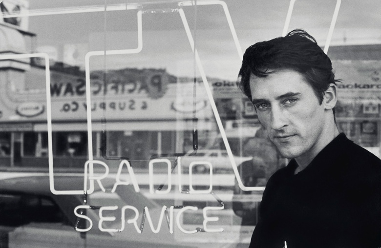 Ed Ruscha, 1964. Photo © Dennis Hopper, Courtesy of The Hopper Art Trust
