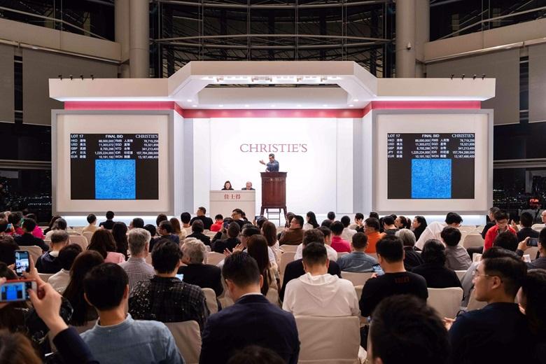 金煥基《05-IV-71 #200(宇宙 )》 以101,955,000港元成交,成為史上最貴韓國藝術品