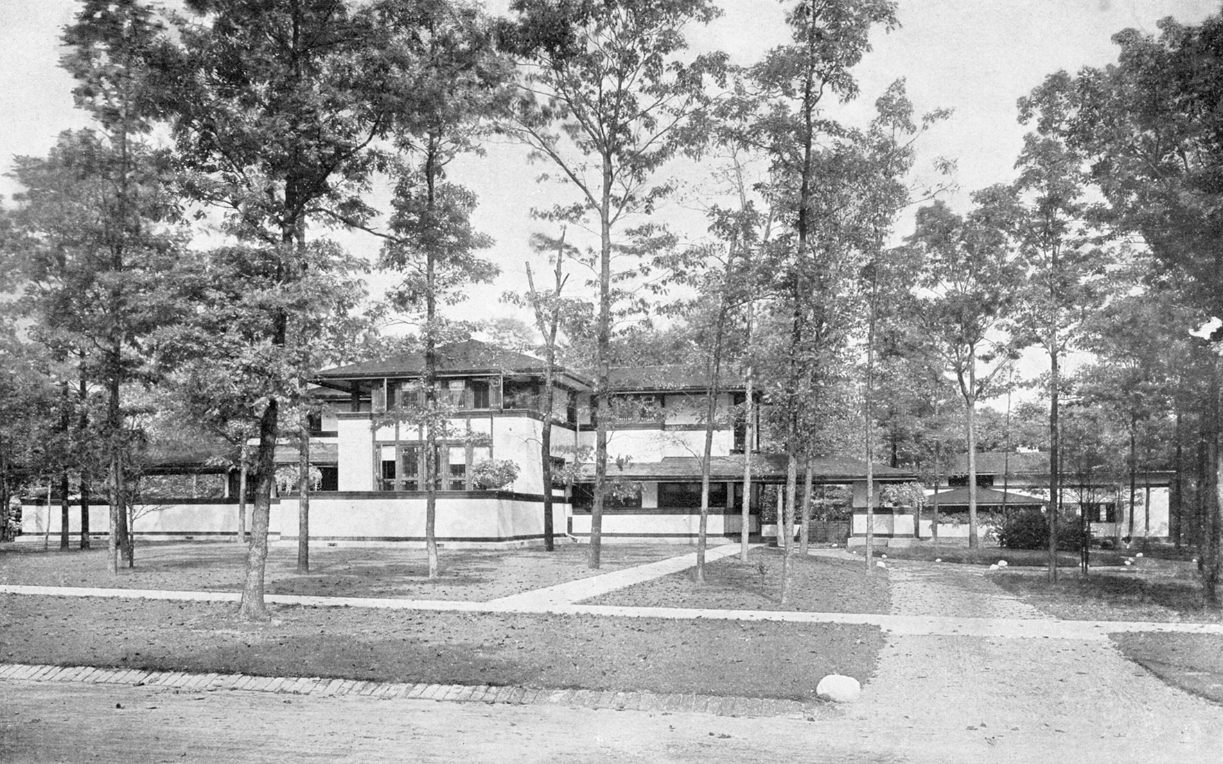 View of the Ward W. Willits House from the southeast, Highland Park, Illinois, circa 1910. Photo Chicago Architectural Photography CompanyFrank Lloyd Wright Preservation TrustGetty Images