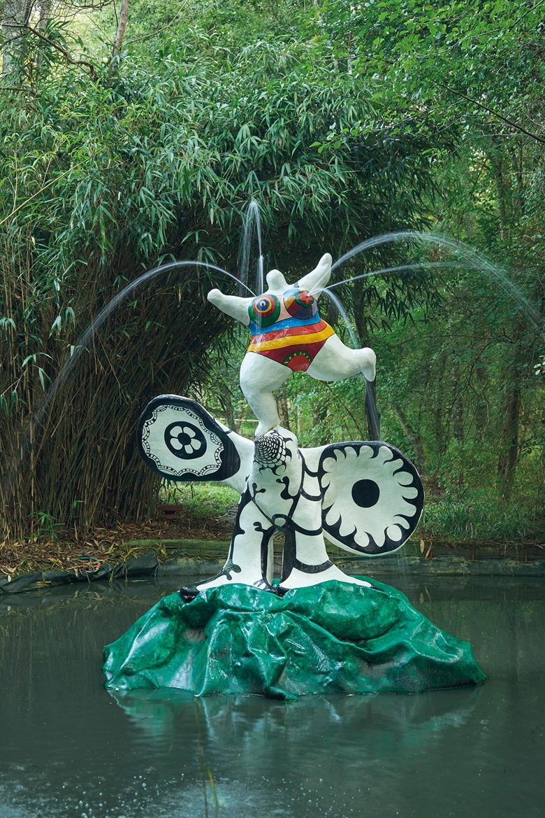 Niki de Saint Phalle (1930-2002), Nana sur le grand oiseau, 1967-68. Painted polyester resin. 137⅘ in (350 cm) high. Estimate €300,000-500,000. Offered in The Secret Garden of Paul Haim on 22 October at Christie's in Paris