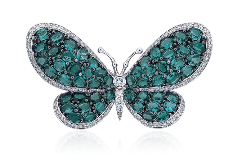 Alexandrite and diamond brooch. SizeDimensions 4.6 cm. Sold for HK$40,000 in Jewels Online, 24 September to 5 October 2020, Online