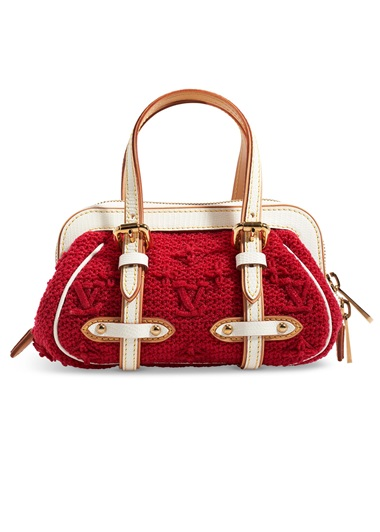 A red lizard sac crochet PM with gold hardware, Louis Vuitton, 2005, from the collection of Susan Casden. 22 w x 13 h x 10 d cm. Sold for $3,000 in Handbags & Accessories Online The New York Edition, 24 November-10 December 2020, Online