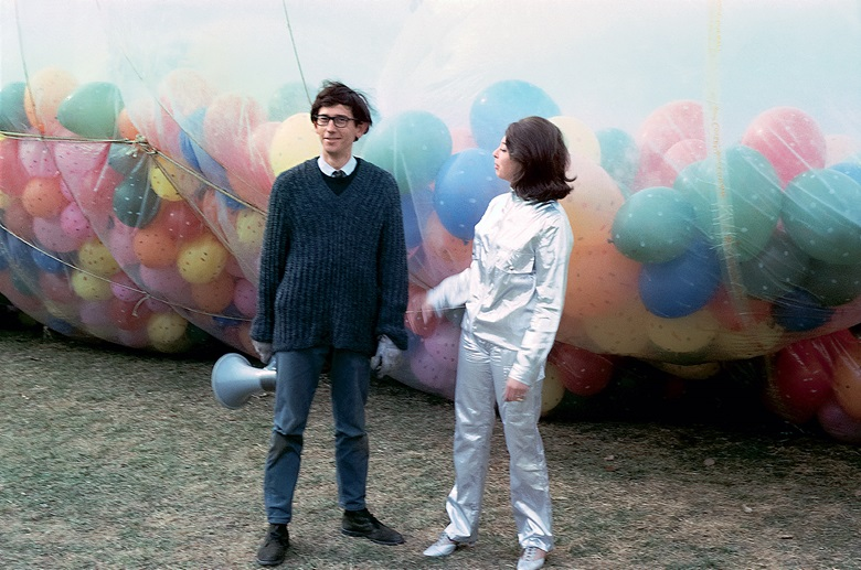 Christo and Jeanne-Claude during the installation of 42,390 Cubic Feet Package, Minneapolis, 1966. Photo Carroll T. Hartwell. © Estate of Christo V. Javacheff