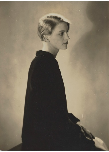 May Ray (1890-1976), Lee Miller, 1929. Gelatin silver print. 3 in (10.4 x 7.6 cm). Estimate €6,000-8,000. Offered in Man Ray et les surréalistes. Collection Lucien et Edmonde Treillard on 2 March 2021 at Christie's in Paris