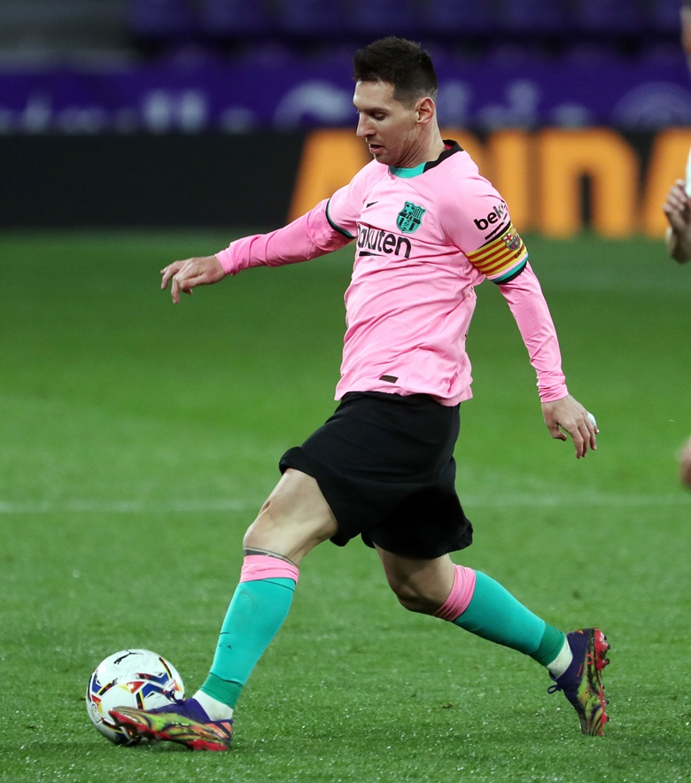 Lionel Messi on the ball in the match between FC Barcelona and Real Valladolid. His goal in the 65th minute meant that he has scored more goals for a single club than any other player in the history of the game