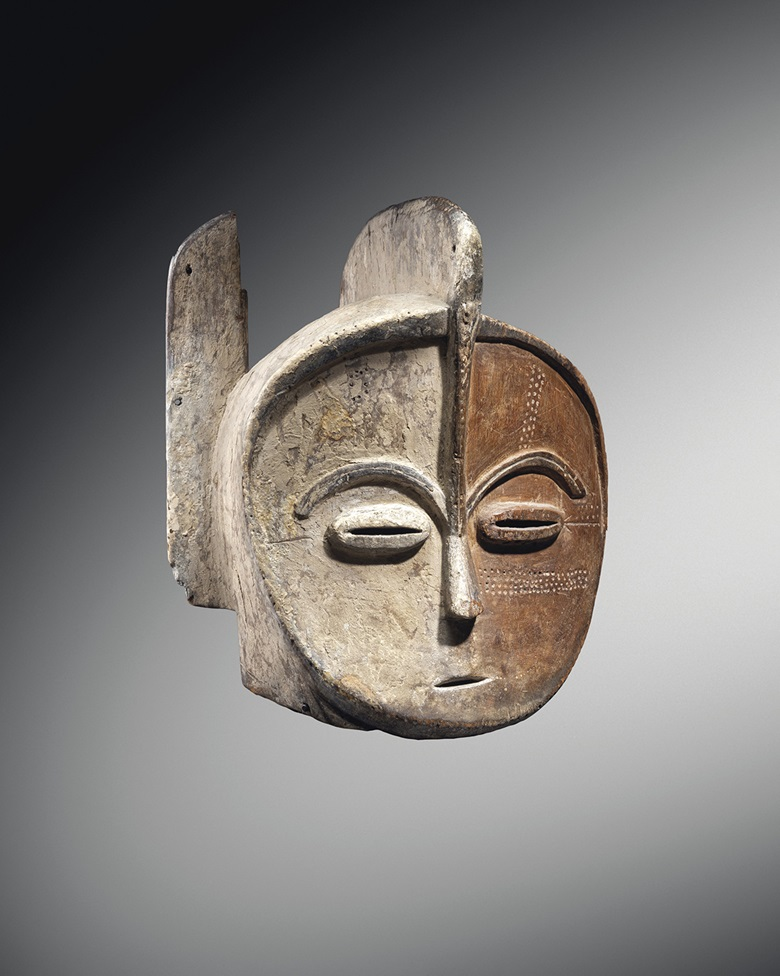Kota helmet mask, Gabon. Height 41.5 cm (16⅜ in). Estimate €300,000-400,000. Offered in Collection Michel Périnet on 23 June 2021 at Christie's in Paris