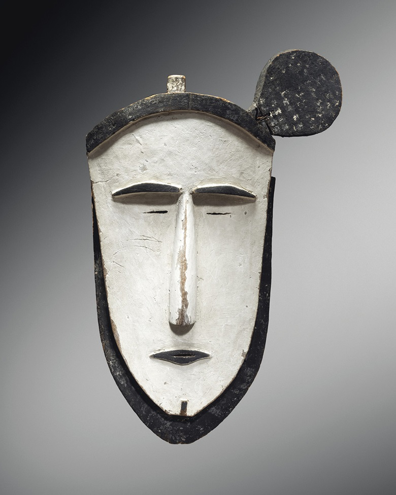 Mortlock Islands mask, Caroline Islands. Height 67 cm (26⅜ in). Estimate €500,000-700,000. Offered in Collection Michel Périnet on 23 June 2021 at Christie's in Paris