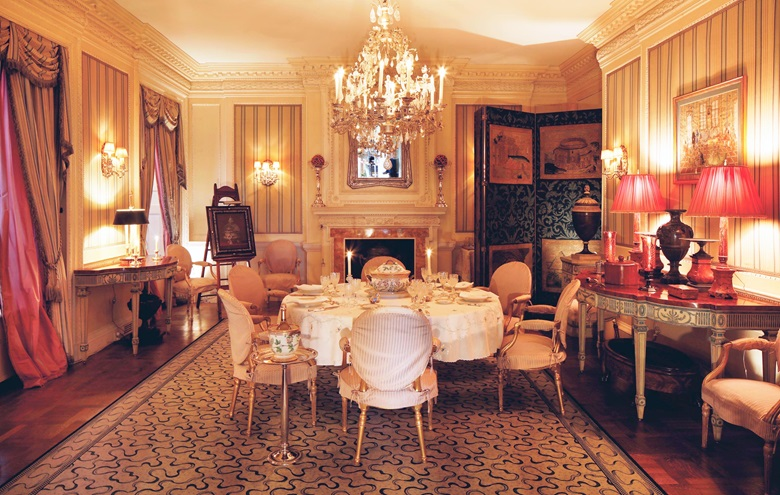 Those invited to dine at 834 Fifth Avenue ranged from Wall Street sharpshooters to Washington power brokers. © 2020 Visko Hatfield