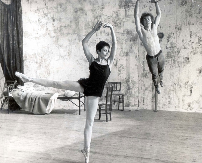 Zizi Jeanmaire and Rudolf Nureyev in rehearsals for Roland Petits ballet Le jeune homme et la mort (The Young Man and Death) in 1966. Photo David RaymondDaily MailShutterstock