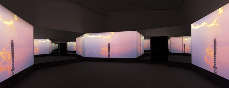Doug Aitken, NEW ERA, 2018, installation view, 303 Gallery, New York, 2018, courtesy of the artist; 303 Gallery, New York, Galerie Eva Presenhuber, Zurich; Victoria Miro Gallery, London; and Regen Projects, Los Angeles © the artist. Photograph John Berens
