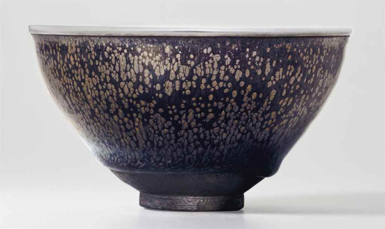 The Kuroda family yuteki tenmoku. A highly important and very rare 'oil-spot' Jian tea bowl. Southern Song dynasty (1127–1279). Estimate $1,500,000–2,500,000. This lot will be offered in The Classic Age of Chinese Ceramics The Linyushanren Collection, Part II, 15 September at Christie's New York