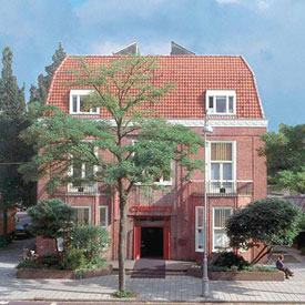 Christies-Amsterdam-exterior-saleroom