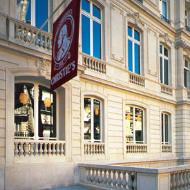 Christies-paris-exterior-saleroom
