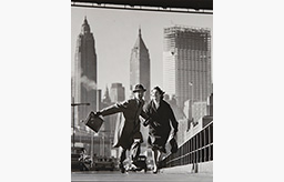 norman-parkinson-New-York-New-York-East-River-Side