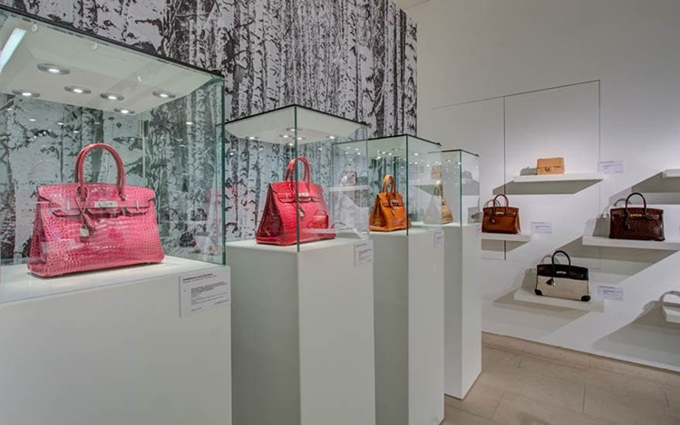 Virtual Tour: Handbags & Acces auction at Christies
