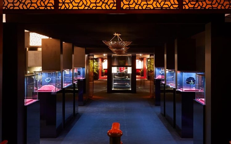 Virtual tour: Maharajas & Mugh auction at Christies