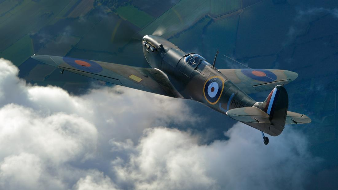 SPITFIRE P9374.- The remarkable story of the discovery and reconstruction of a Supermarine Spitfire