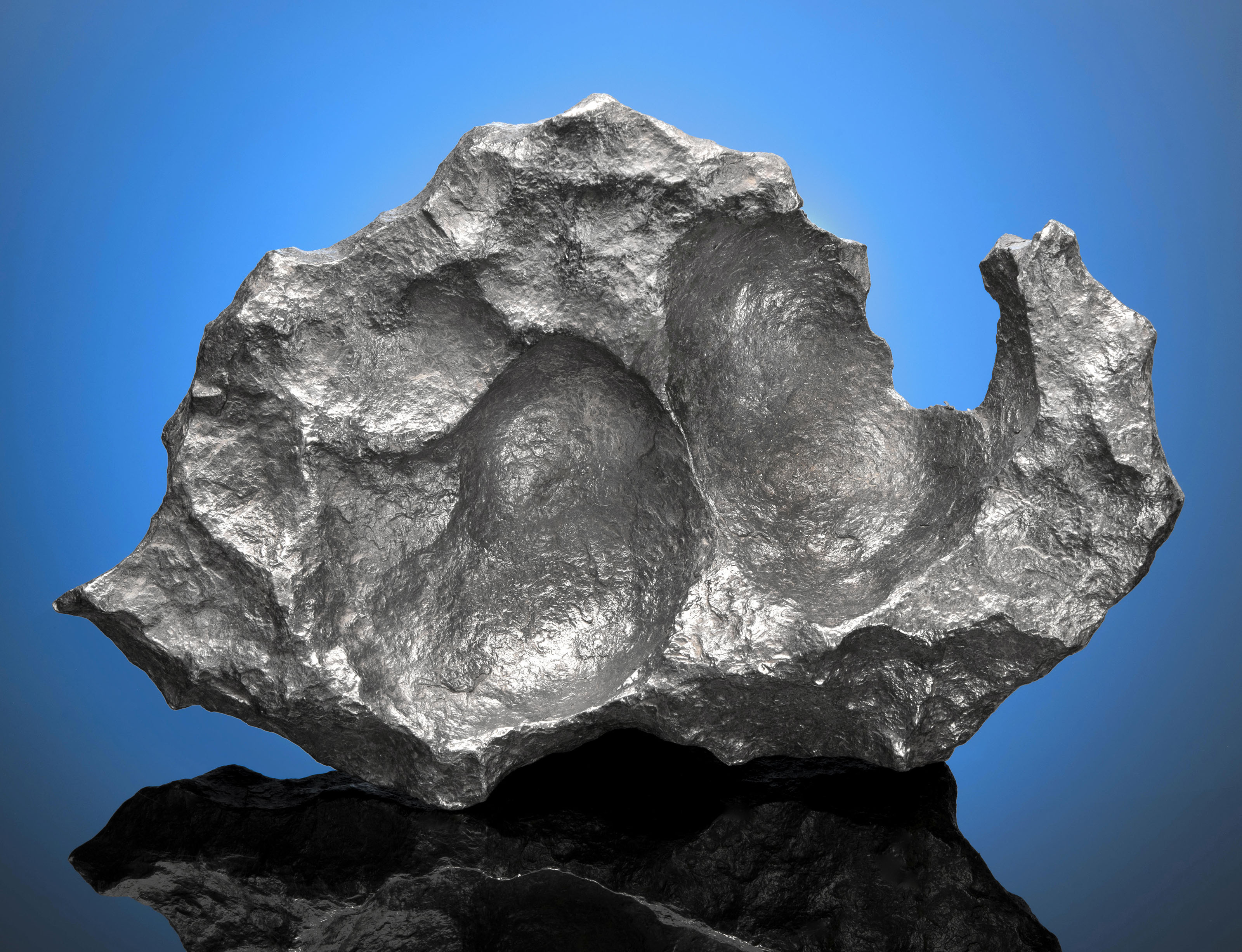 AESTHEIC GIBEON METEORITE WITH TWO SCOOPS — NATURAL SCULPTURE FROM OUTER SPACE